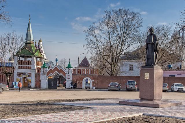 Владычный монастырь в Серпухове: вход